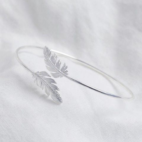 ADJUSTABLE SILVER FEATHER BANGLE
